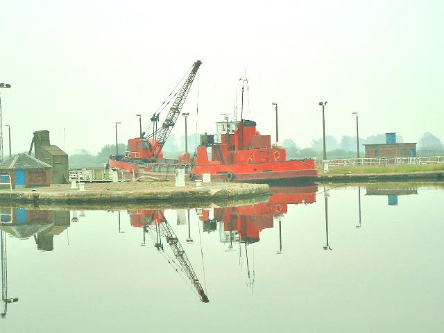 Goole  Docks, Dredger