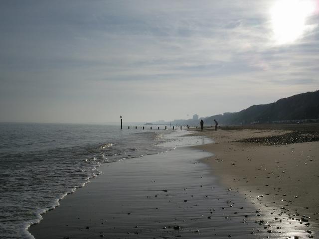 Shoreline at Fisherman's Walk beach