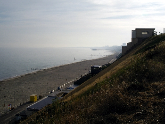 Fisherman's Walk cliff lift and beach