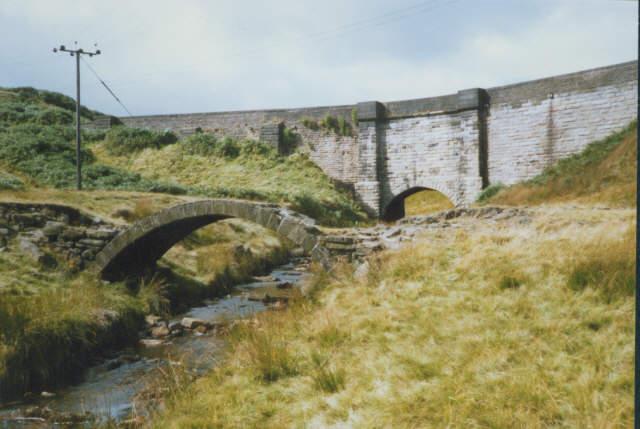 Oxygrains bridges above Rishworth