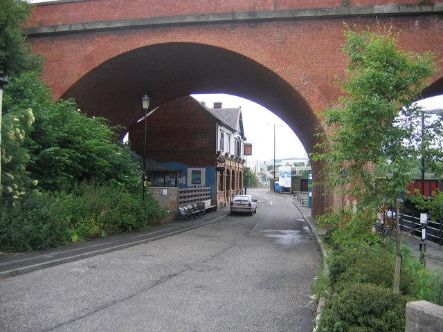 Glasshouse Bridge and Tyne Pub
