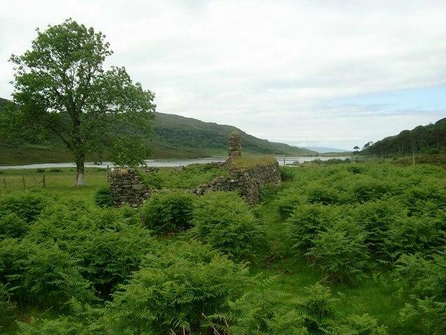 Ruin at Loch a Ghlinne