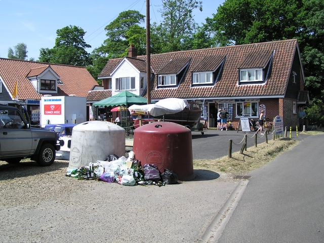 Shops and bottle banks, Womack Water