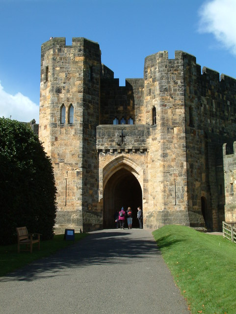 Alnwick Castle - Gatehouse