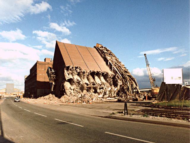 Demolition of Flour Mills, Wallasey Docks