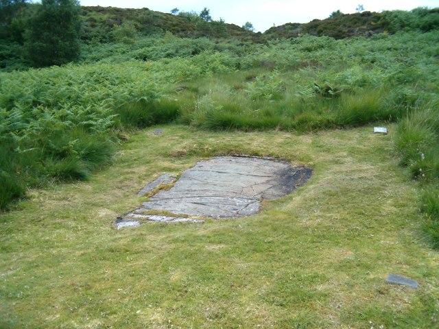 Inscribed stone above Cairnbaan