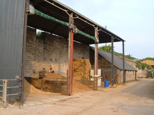 Barn against aqueduct, Wrantage