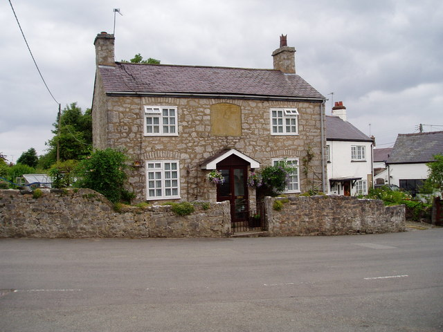 The Old School, Cilcain