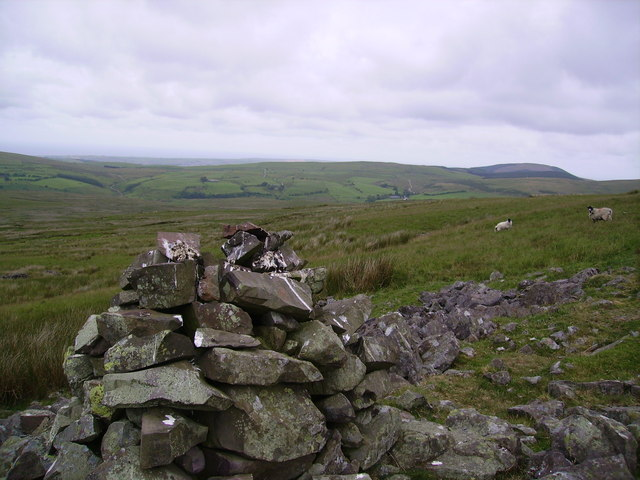 Old Cairn, Tongue How