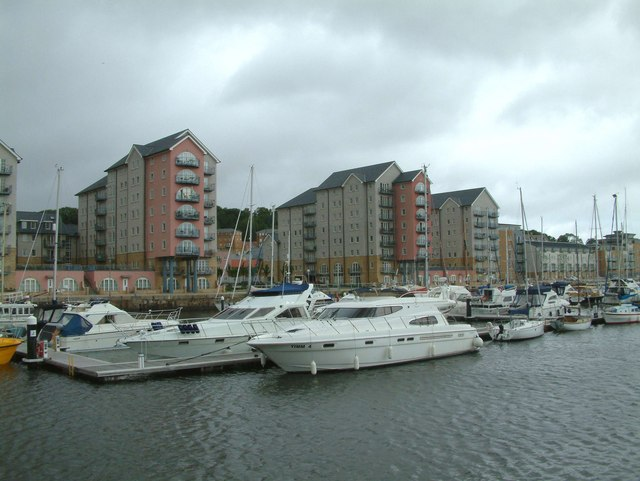 Portishead Docks and Harbourside housing