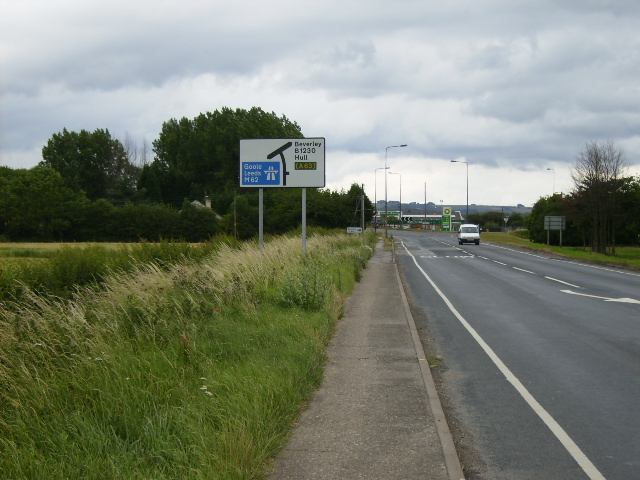 The B1230 approaching the M62 junction near Newport