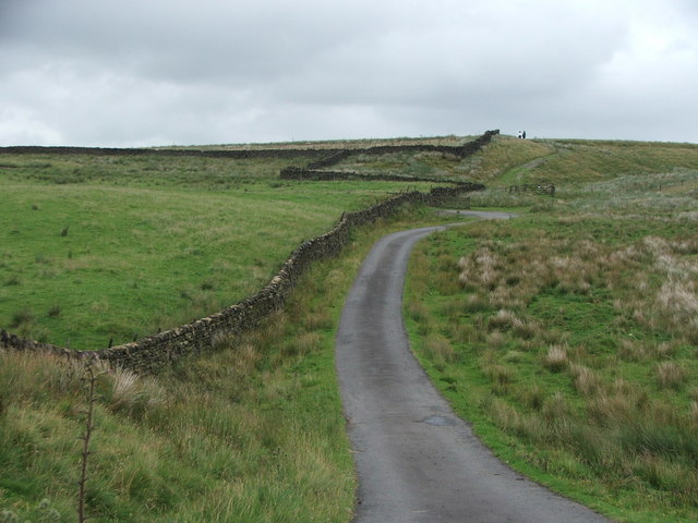 Farm Track above Saucer Hill Clough.