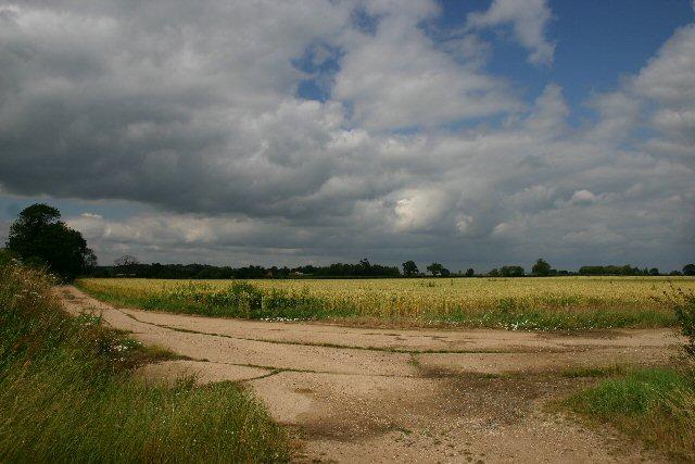 Tracks at Elms Farm, Alpheton
