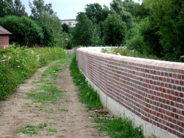 The Trans-Pennine Trail alongside Barlby Crescent