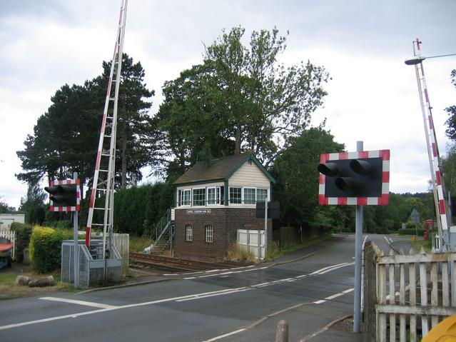 Churchill and Blakedown Signal Box and level crossing