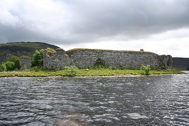 West walls and turrets of Lochindorb Castle.