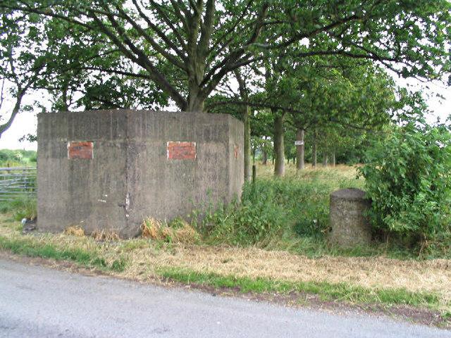 Pillbox near Brimstage