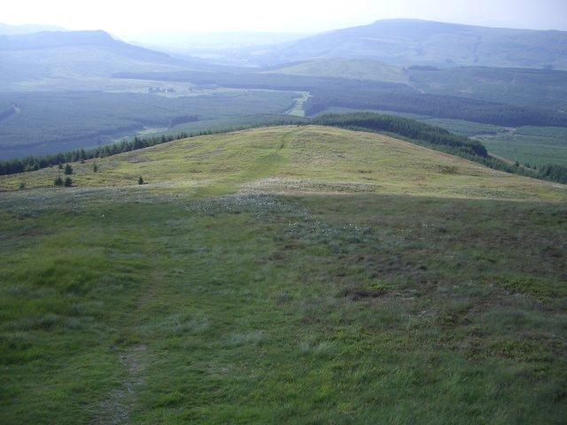 Meikle Bin, northwest ridge