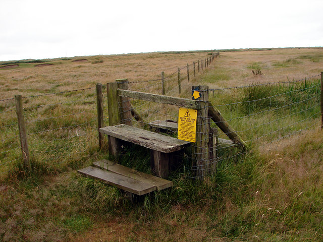 Stile at the north end of Aberdovey Golf Links