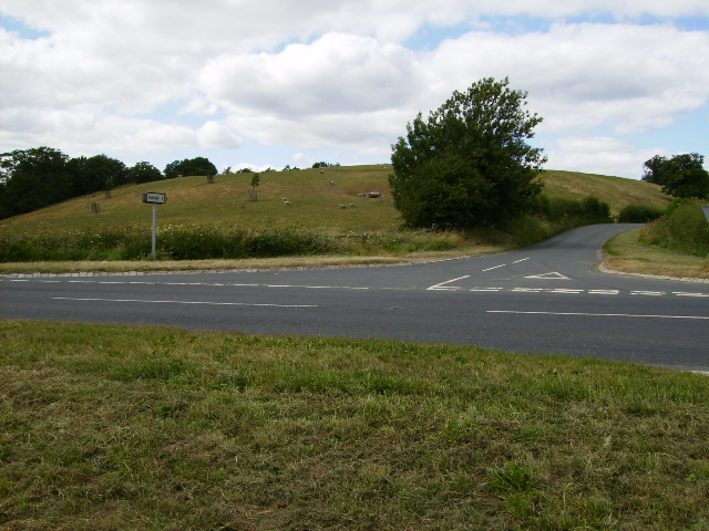 Staggered crossroads on A170 near Helmsley