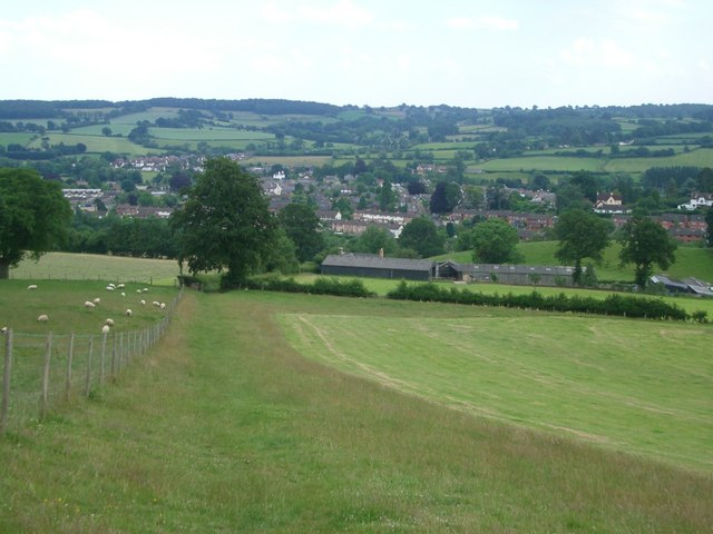 Offa's Dyke path approaching Kington