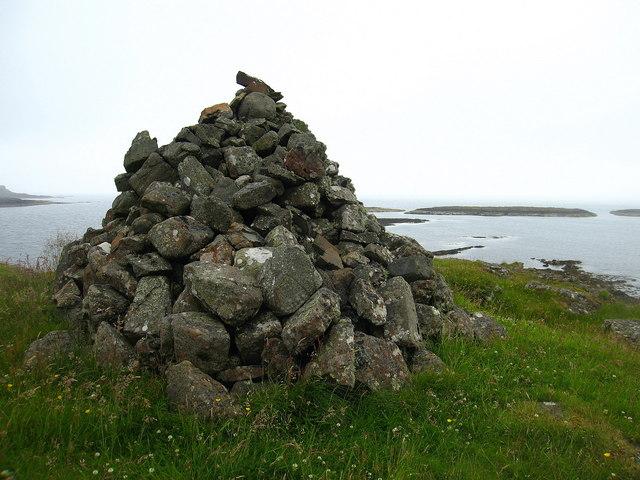 Cairn, Laorin Bay