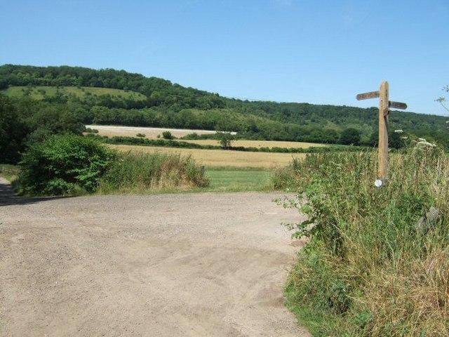Bridleway Crossing Near Park Farm