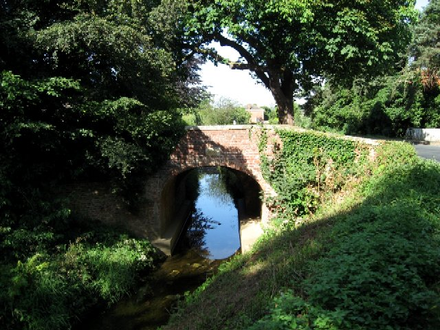 The Old Bridge into Escrick