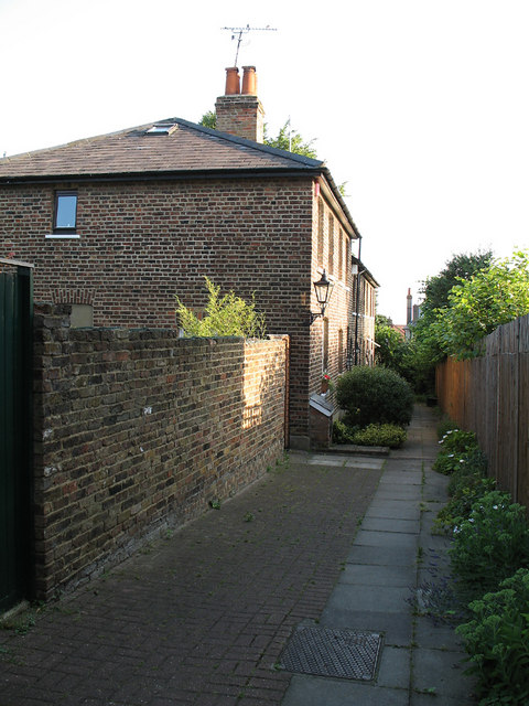 Victoria Cottages
