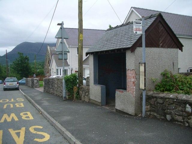 Bus shelter at Waunfawr