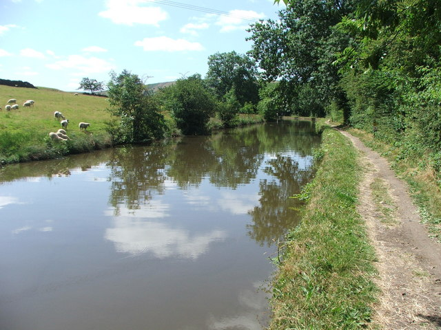 Leeds and Liverpool Canal near Low Bradley.