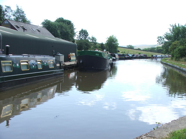 Leeds and Liverpool Canal at Snaygill.