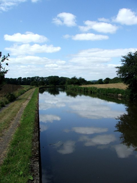 Leeds and Liverpool Canal at Thorlby