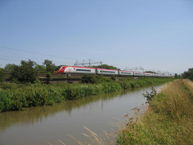 West Coast Main Line at Hopswood