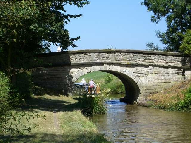 Bridge 83, Macclesfield Canal