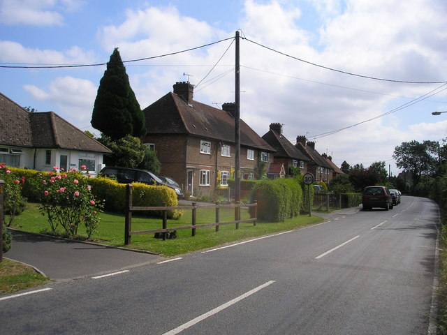 Houses on Lingfield Road, Edenbridge, Kent