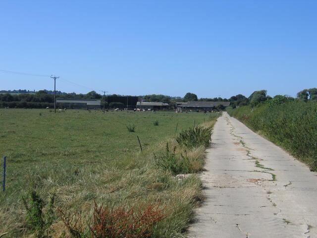 Farm track from Banbury Road