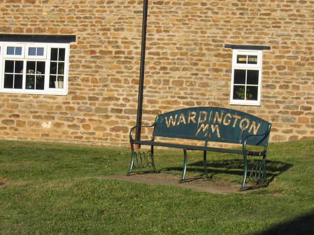 Wardington commemorative seat