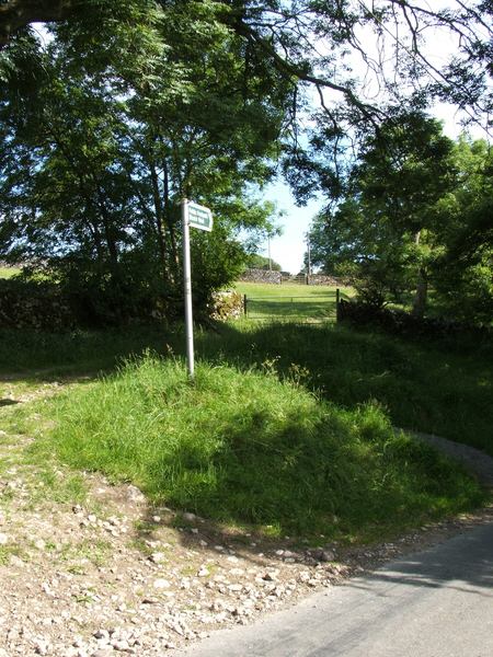 Footpath to Blasterfield