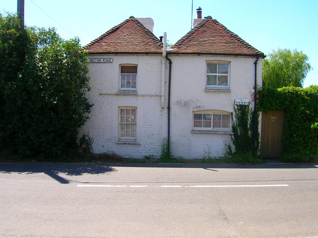 Flint Cottages, Arlington Road