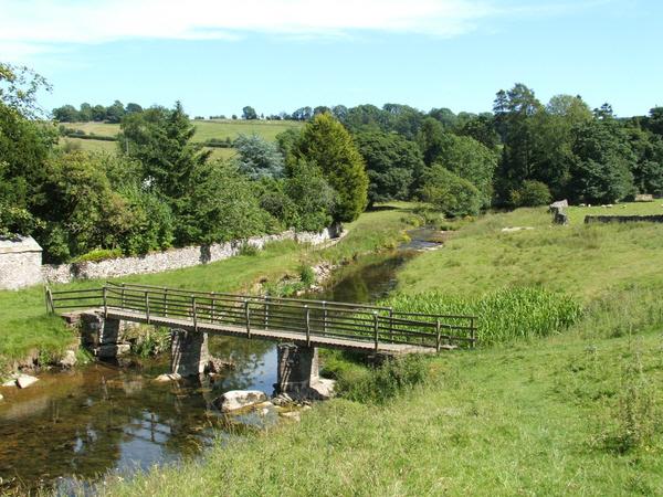 Footbridge across the Lyvennet
