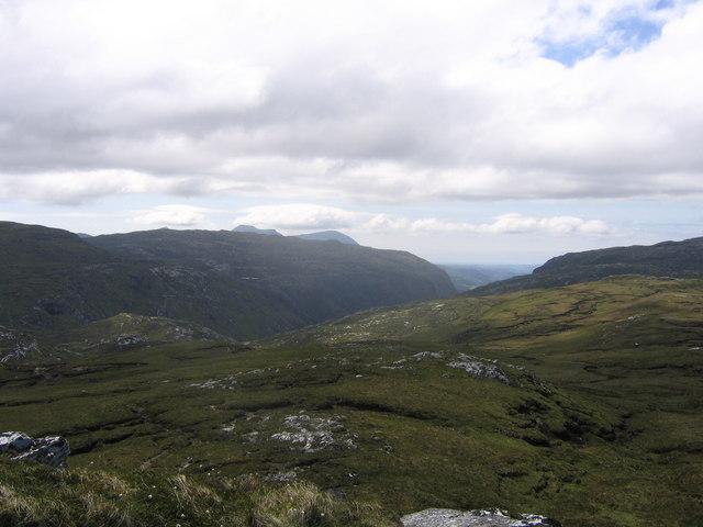 The uplands above Loch Strath nan Aisinnin