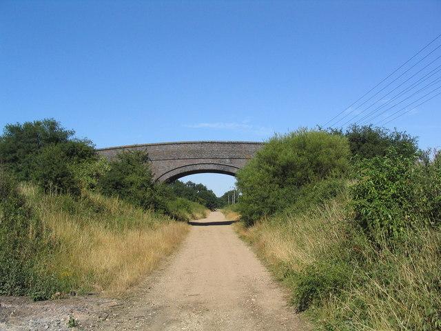 View NE along disused railway track near Dobbin's Wood