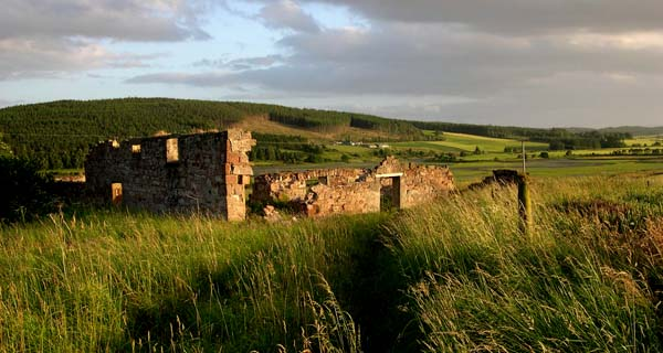 Ruined farm building overlooking Munlochy Bay.