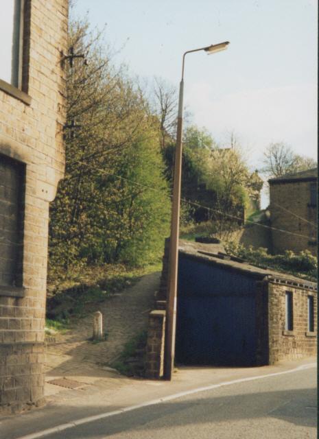 Gog Hill, Elland