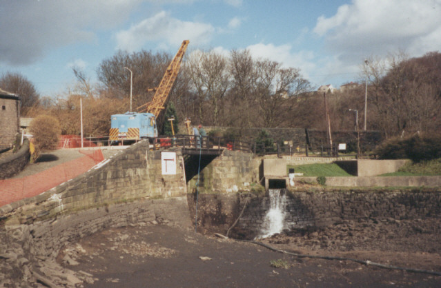 Salterhebble Lock, drained