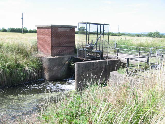 Sluice near Marshfield