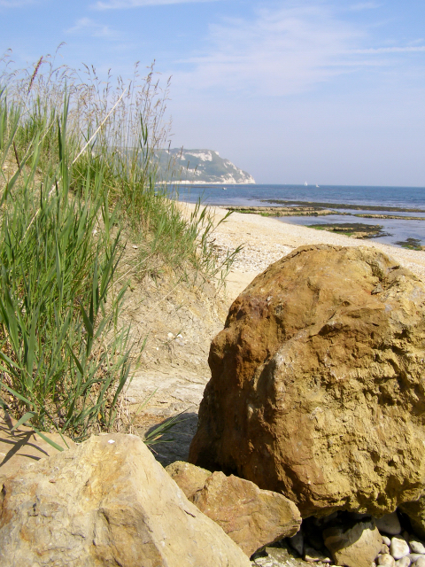 Beach at Perry Ledge, west of Ringstead