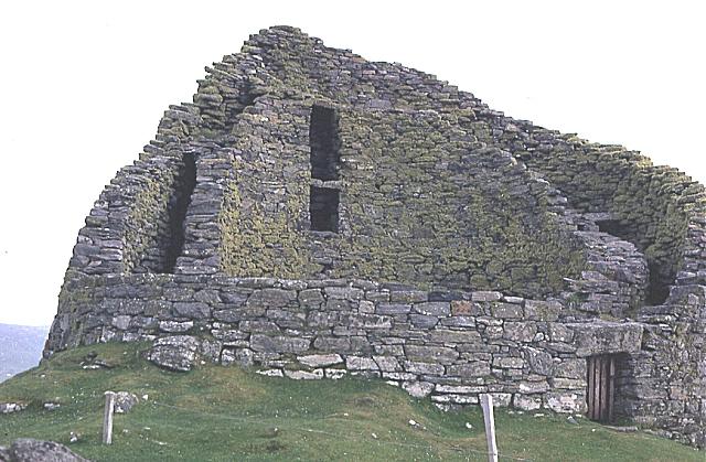 Dùn Chàrlabhaigh (Dun Carloway)