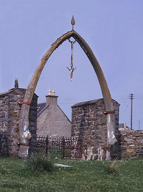 Whalebone Arch, Bragar